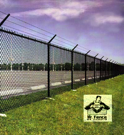 Fabricating & Renting Fences | Barricades | Dividers in Dubai UAE